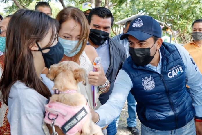 Roberto Sosa Pichardo entrega Parque para Perros en la colonia Lomas de Balvanera