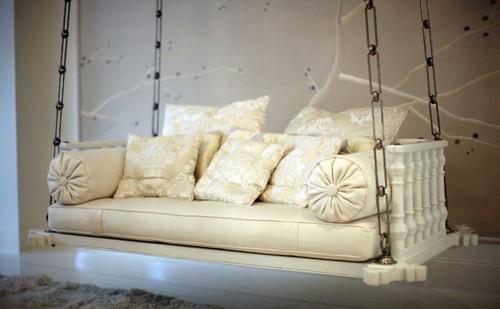 Gwyneth Paltrow - Manhattan loft - Living room swi