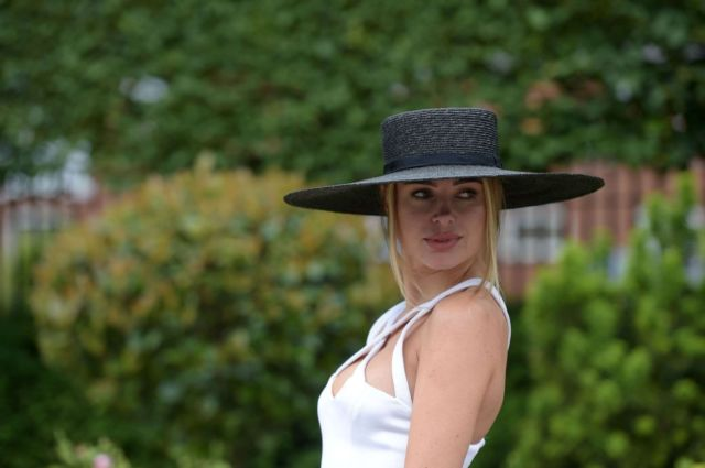 Kimberley Garner In White Dress At Royal Ascot 2021