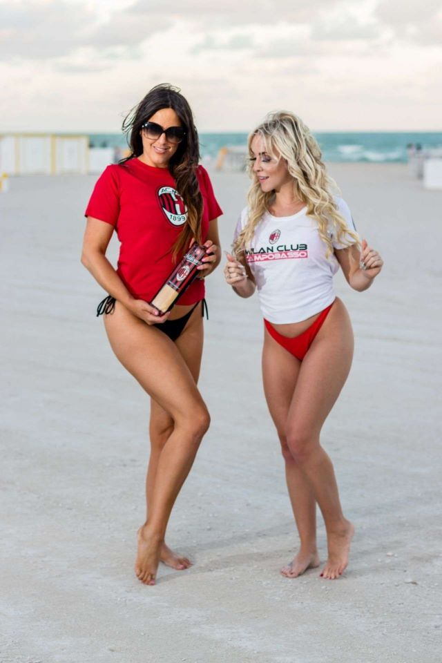 Claudia Romani And Jess Picado Pose Together At The Beach In Miami