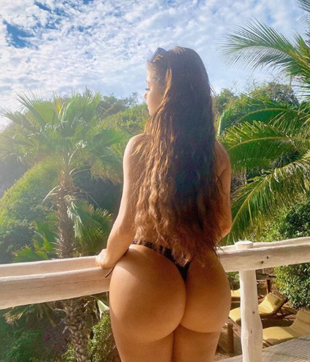 Demi Rose 50 Instagram photos