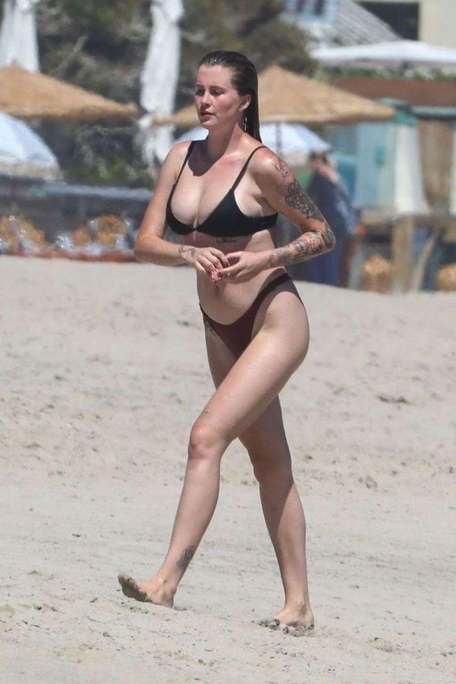 Ireland Baldwin Vacationing In A Mehandi Bikini On The Beach In Malibu