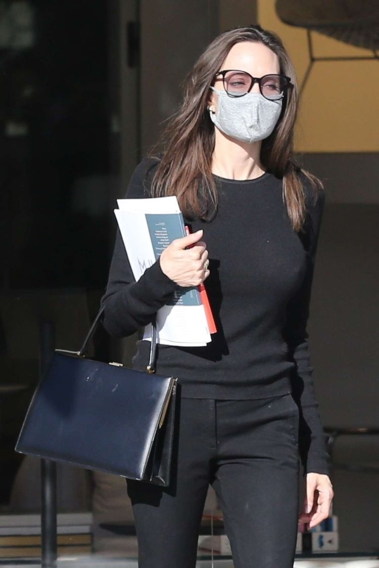 Angelina Jolie Shopping At High-End Knoll Home Design Shop In West Hollywood