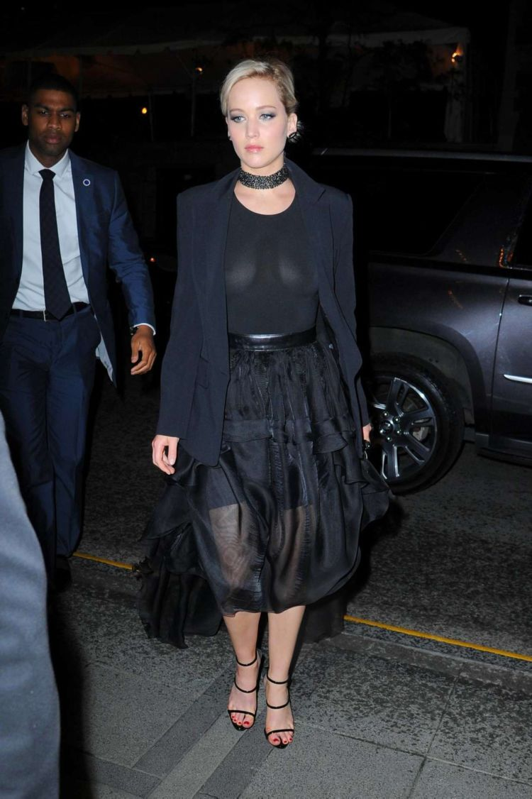 Jennifer Lawrence Goes Out For A Night Out In Manhattan