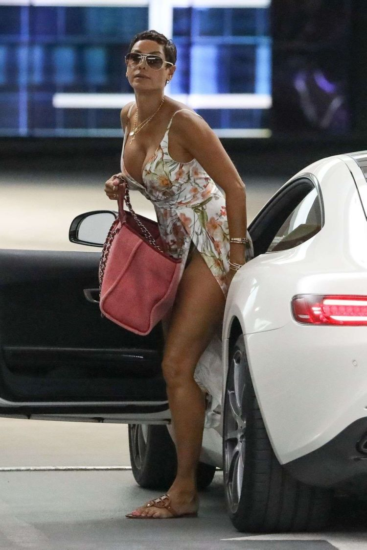 Nicole Murphy Spotted In The Parking Lot At Soho House