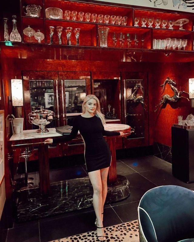 Ariel Winter In A Black Dress At Delilah Restaurant Grand Opening In Las Vegas