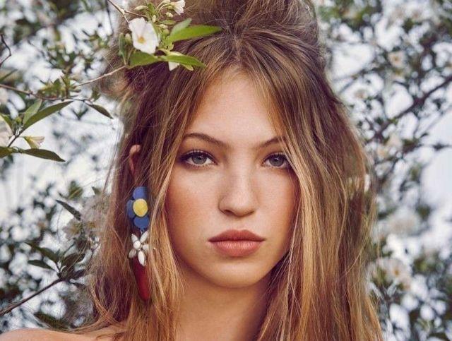 Pretty Lila Grace Moss Covers Vogue Japan Magazine (April 2021)