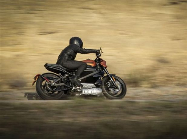 Ride The 2020 Harley-Davidson Livewire Sports Bike