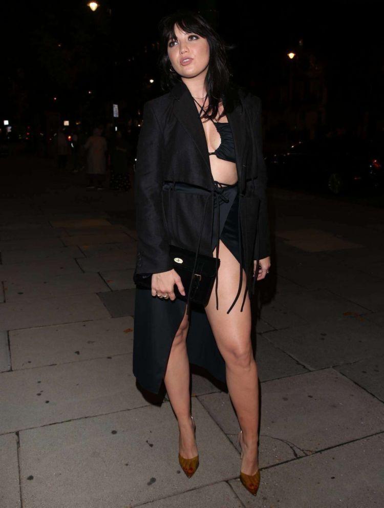 Stunning Daisy Lowe At London Fashion Week