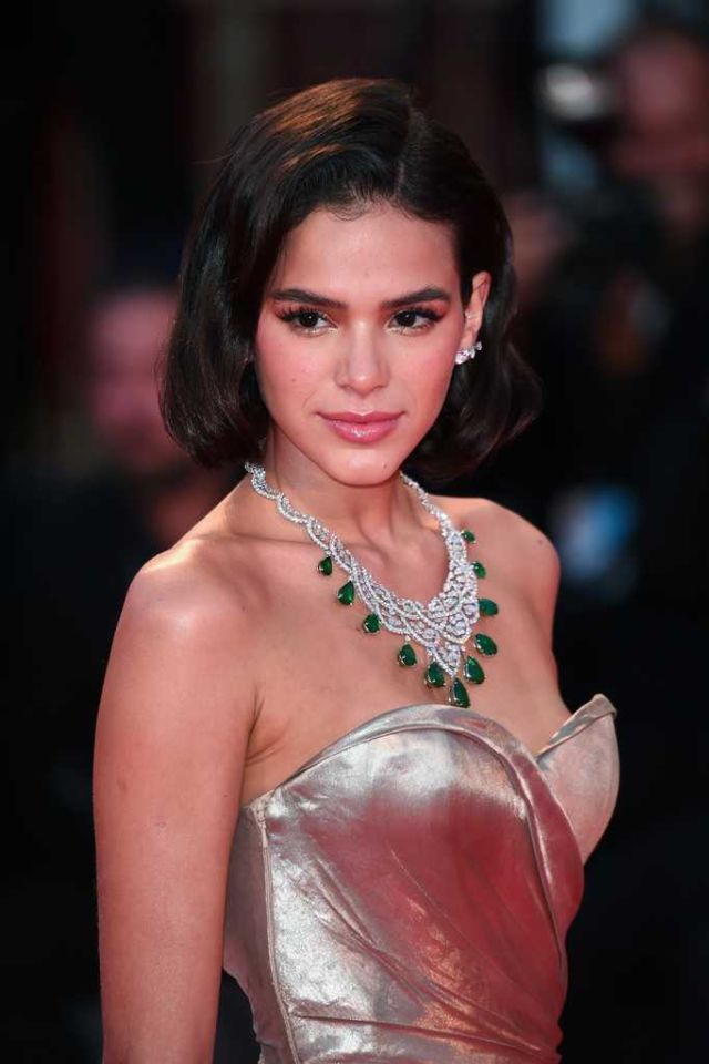 Bruna Marquezine Shines At 'The Sisters Brothers' Screening At Venice Film Festival