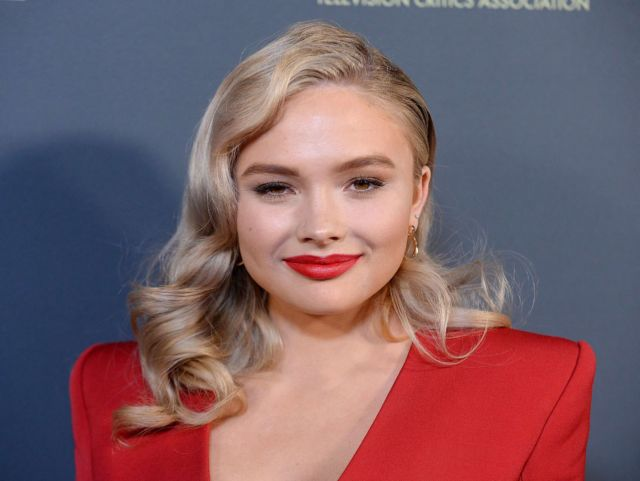 Pretty Natalie Alyn Lind In Red At Fox Winter TCA