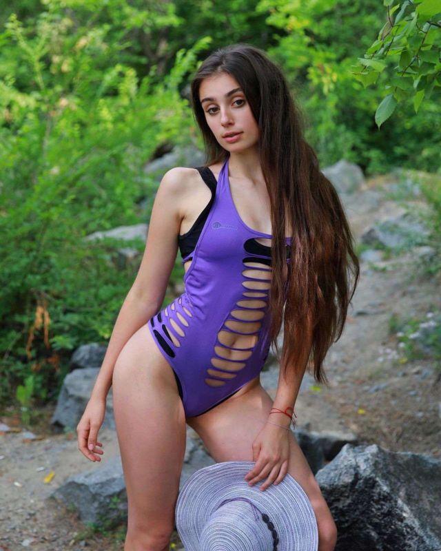 Elizabeth Simonenko's Special Swimsuit Photoshoot