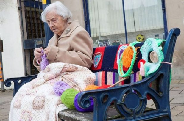 104 Year-Old Creative Granny Loves To Knit Her City