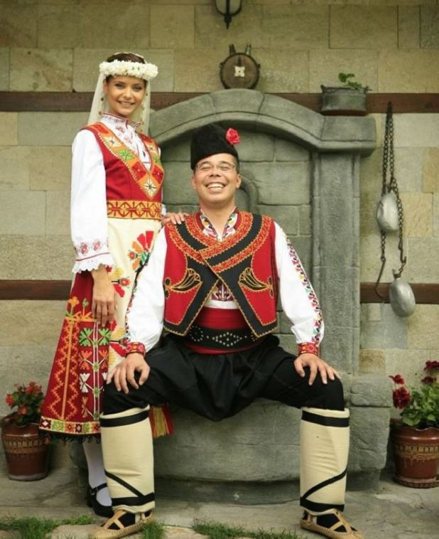 20 Traditional Wedding Outfits From Around The World