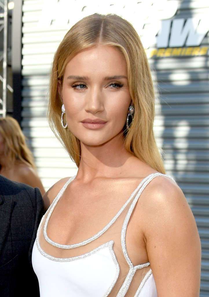 Rosie Huntington-Whiteley At The Premiere Of 'Hobbs & Shaw' In Hollywood