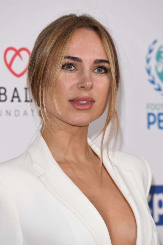 Gorgeous Kimberley Garner In Pure White At Football For Peace, Global Gift Initiative Dinner Event