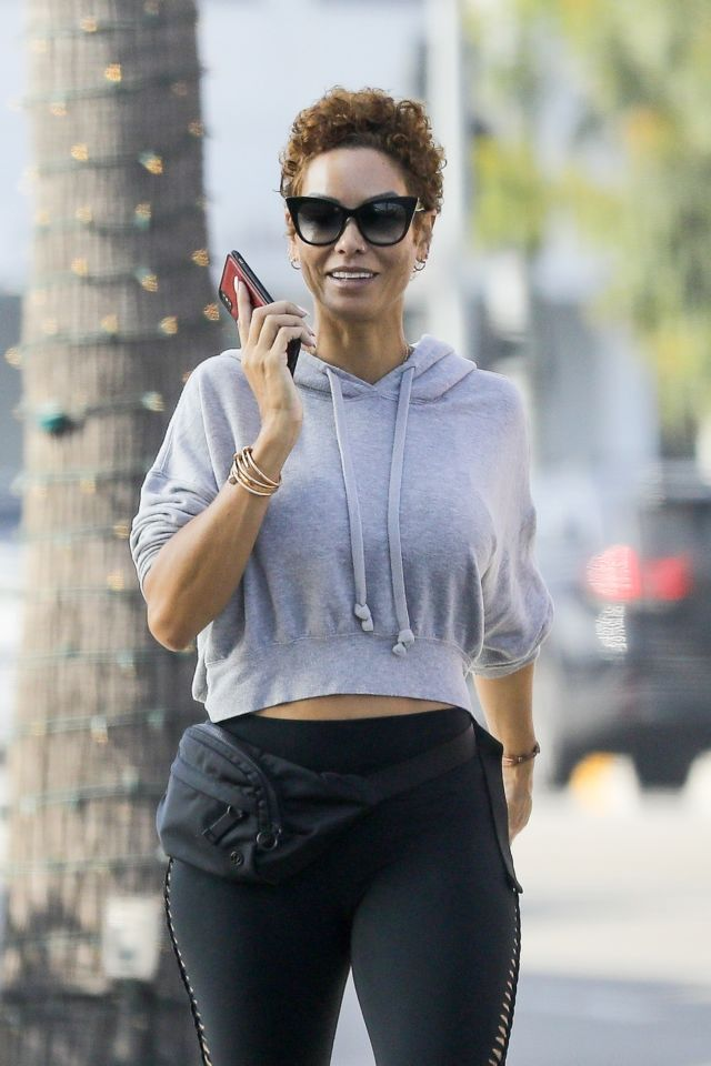 Nicole Murphy Heading To The Gym In Beverly Hills
