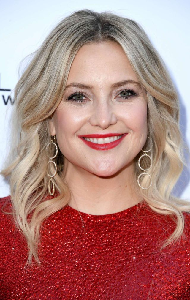Kate Hudson Shines In Red At Daily Front Row's 5th Annual Fashion Los Angeles Awards
