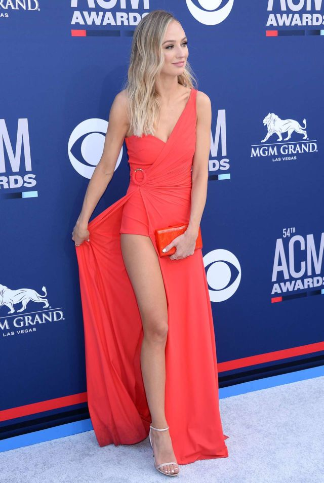 Beautiful Lauren Bushnell In A Red Dress At The Country Music Awards