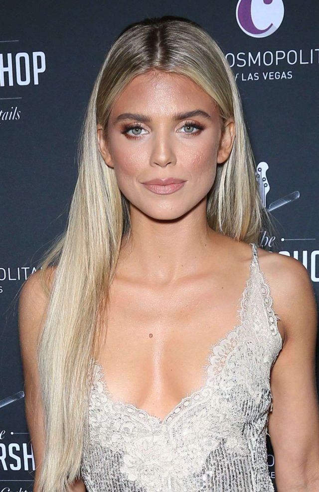AnnaLynne McCord At The Barbershop Cuts and Cocktails Opening Party In Las Vegas