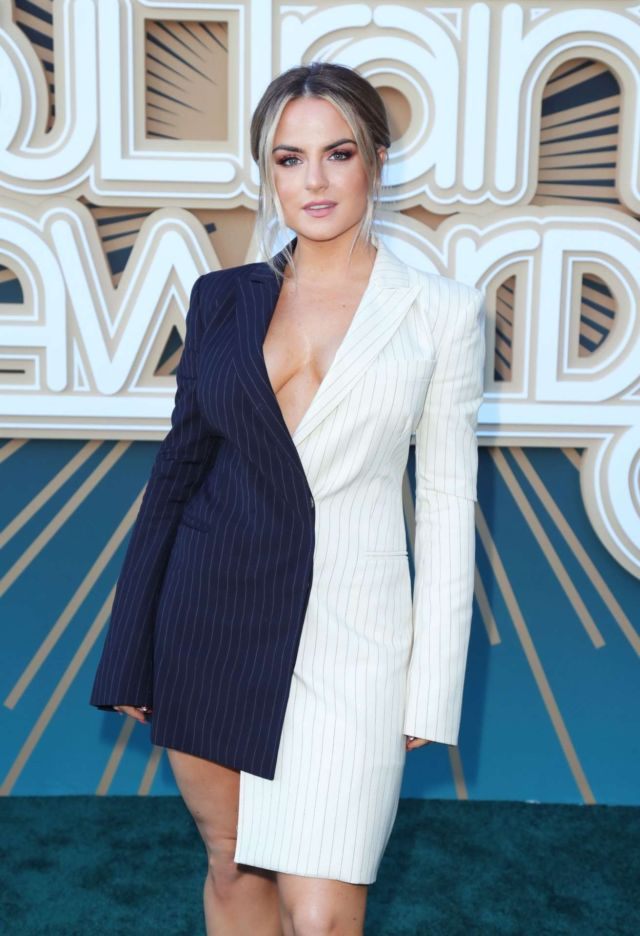 Joanna 'JoJo' Levesque Poses In Style At BET Soul Train Awards 2019