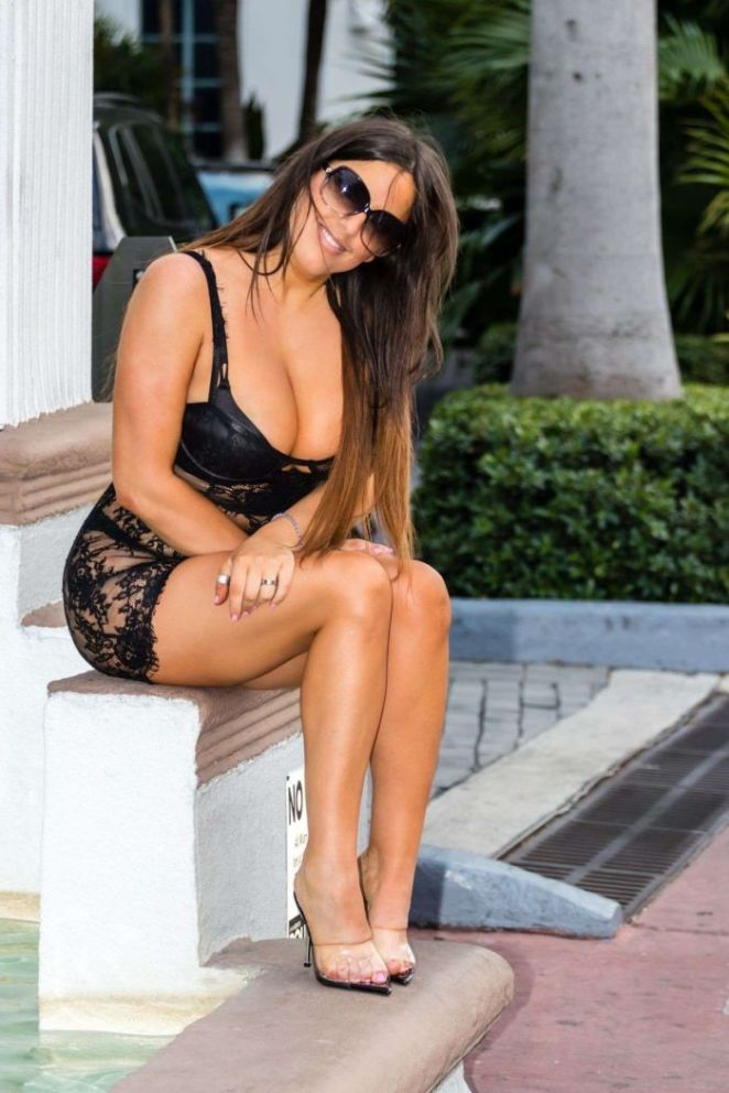 Sensational Claudia Romani In Black Dress Out In Miami