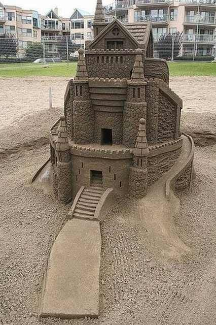 Top 10 Most Beautifully Detailed Sandcastles