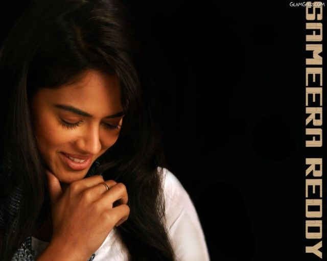 Click to Enlarge - Pretty Sameera Reddy Wallpapers