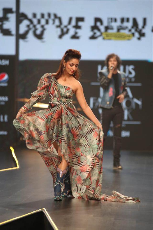 Beautiful Yami Gautam At The Ramp For Lotus Fashion Week 2019