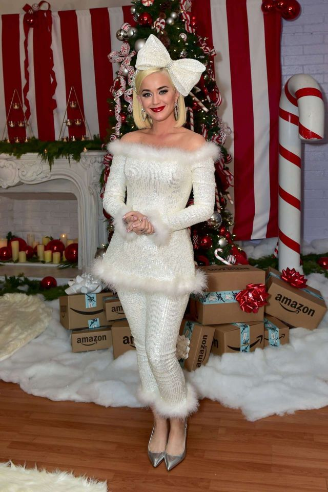 Beautiful Katy Perry Attends Boys & Girls Clubs of Metro Los Angeles Holiday Party