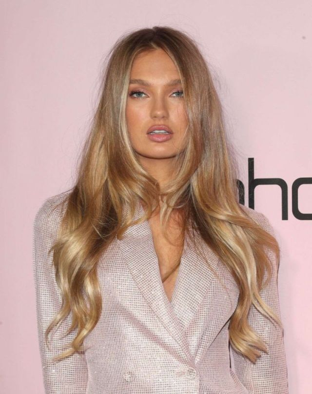 Pretty Romee Strijd At The Boohoo Holiday Party In Los Angeles