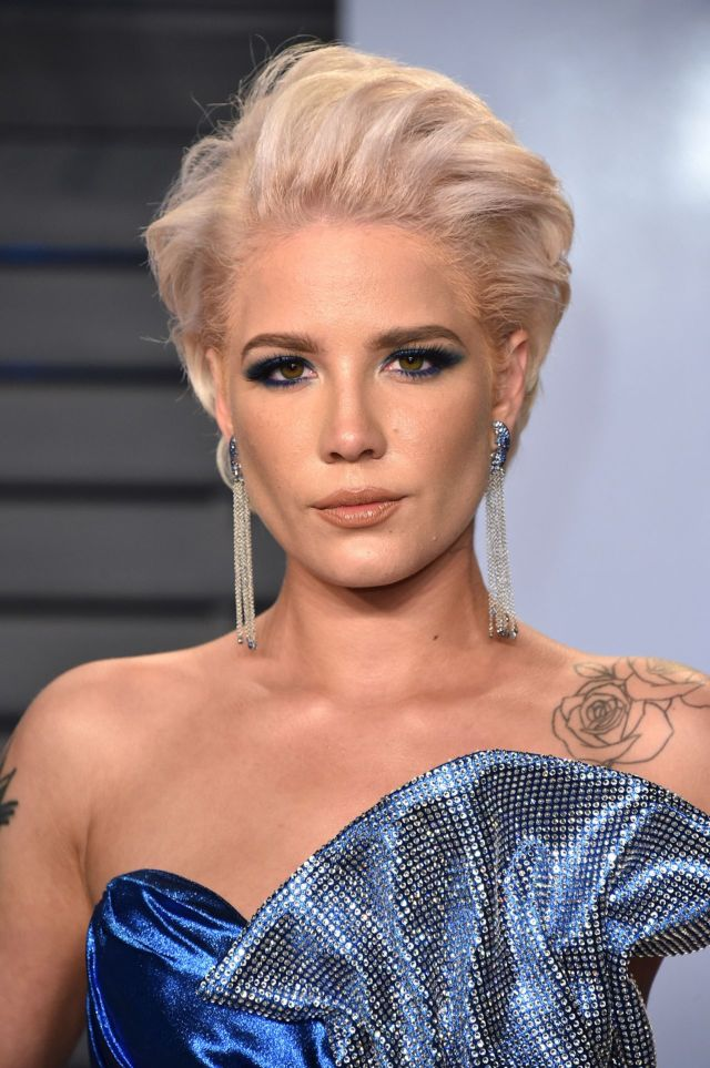 Halsey In A Blue Dress At 2018 Oscar Party