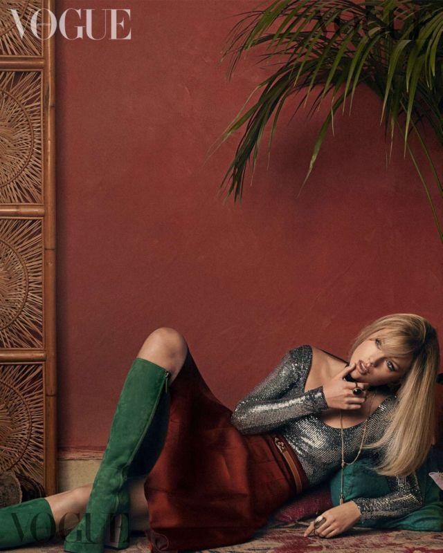 Taylor Swift Glams Up Vogue UK Magazine's January 2020 Issue