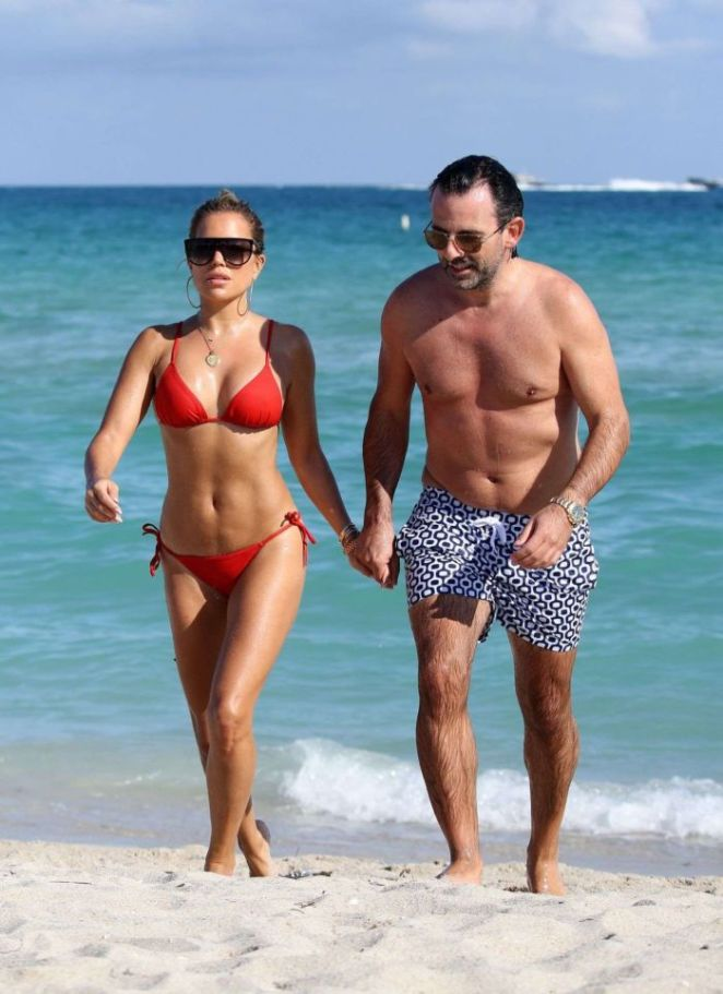 Sylvie Meis Vacation In Red Bikini On The Beach In Miami