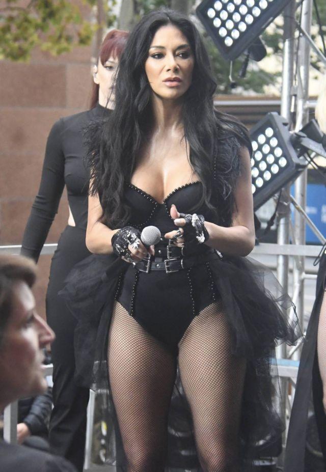 Nicole Scherzinger Performs In Black On 'Sunrise' In Sydney