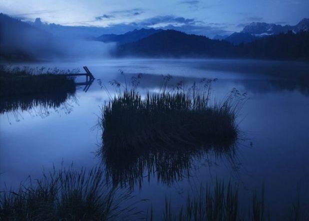 10 Breathtaking Nature Photographs Of The Blue Dusk