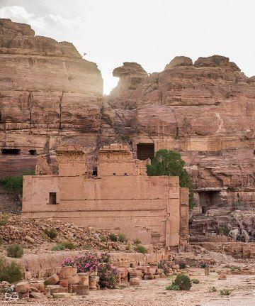 Explore Petra - The Forgotten Treasure