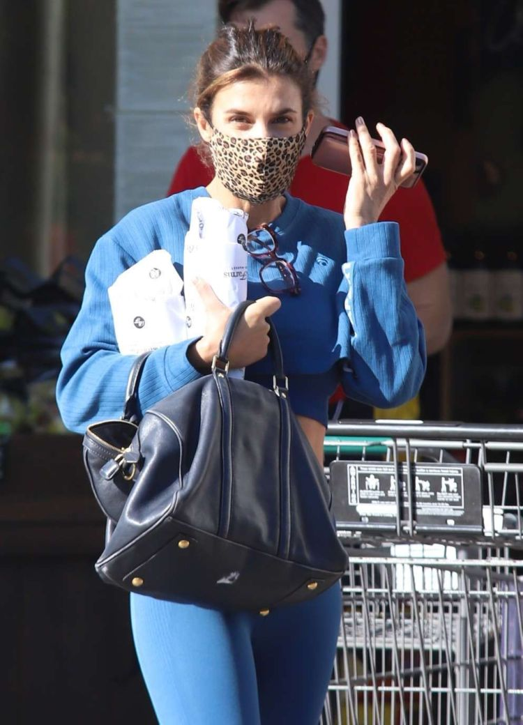 Elisabetta Canalis Shopping At Bristol Farms In Beverly Hills