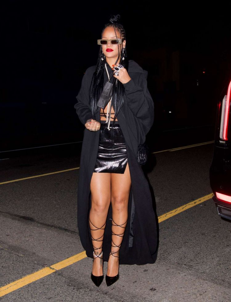Rihanna Spotted In Black Outfit At Giorgio Baldi In Los Angeles