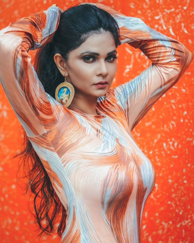 Indian Model Aabha Paul's Photos Will Blow Your Mind