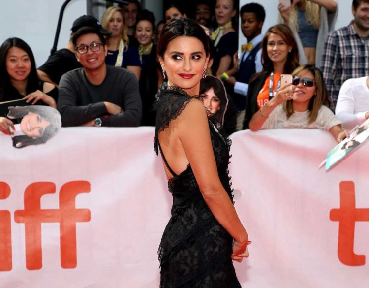 Penelope Cruz In Black At The Premiere Of Everybody Knows