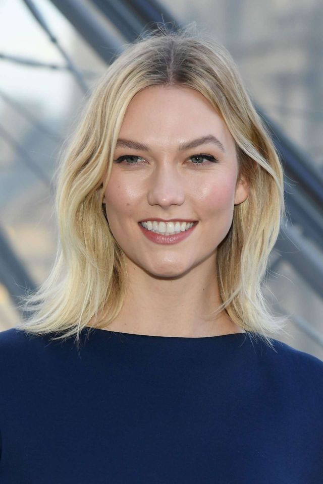 Karlie Kloss Shines In Blue For Louis Vuitton Show During Paris Fashion Week