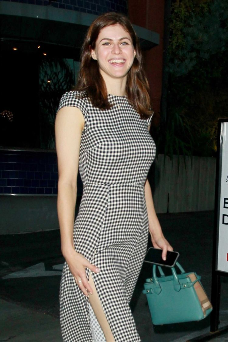 Pretty Alexandra Daddario Out And About In Los Angeles