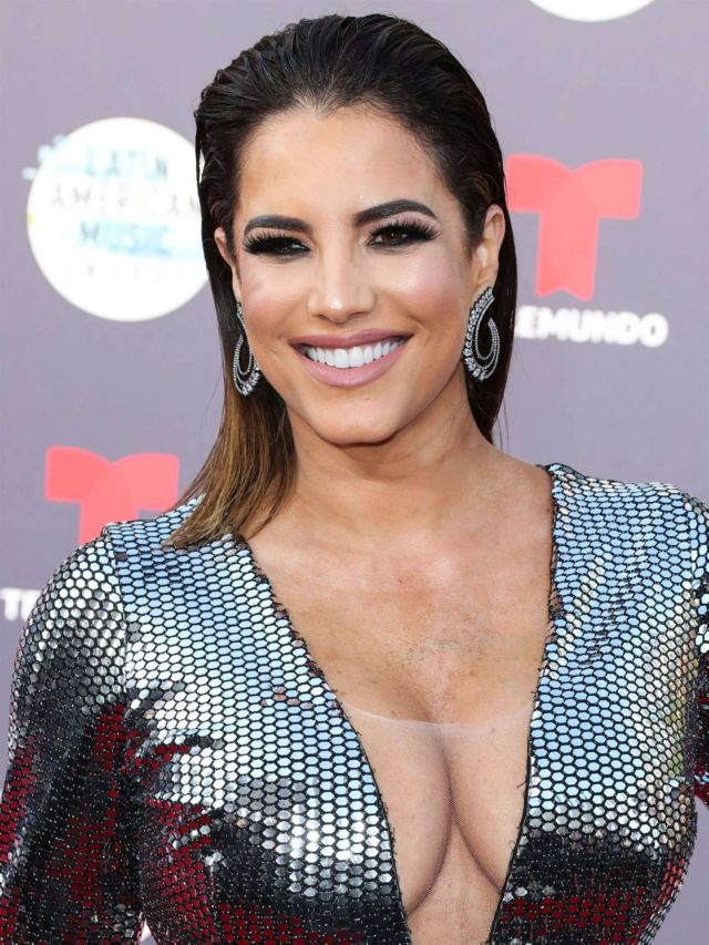Gaby Espino Shines At Latin American Music Awards 2018