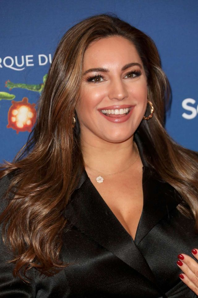 Gorgeous Kelly Brook Attends Cirque Du Soleil Premiere Of 'Totem'