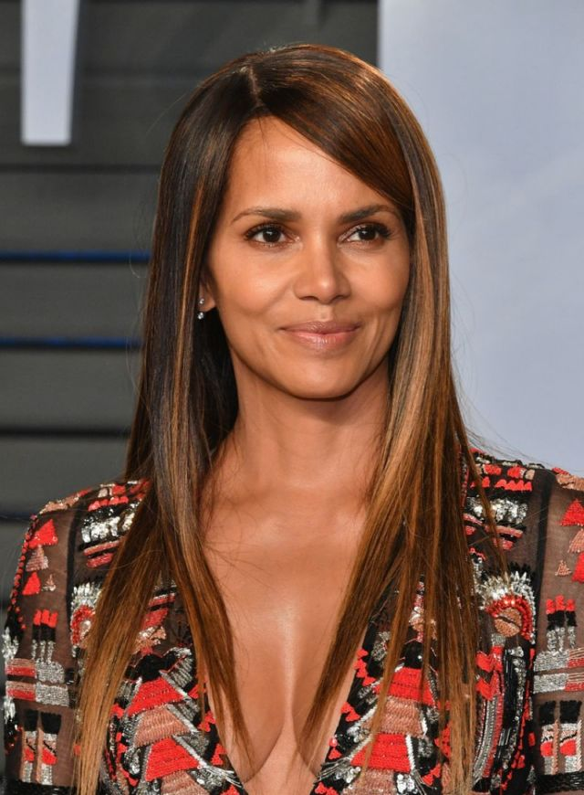 Halle Berry At The 2018 Oscar Party In Beverly Hills
