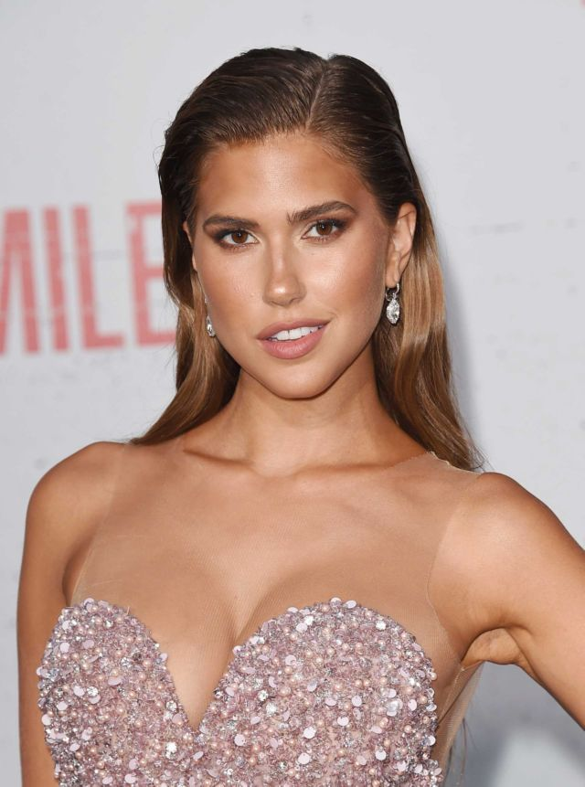 Beautiful Kara Del Toro At The Film Mile 22 Premiere
