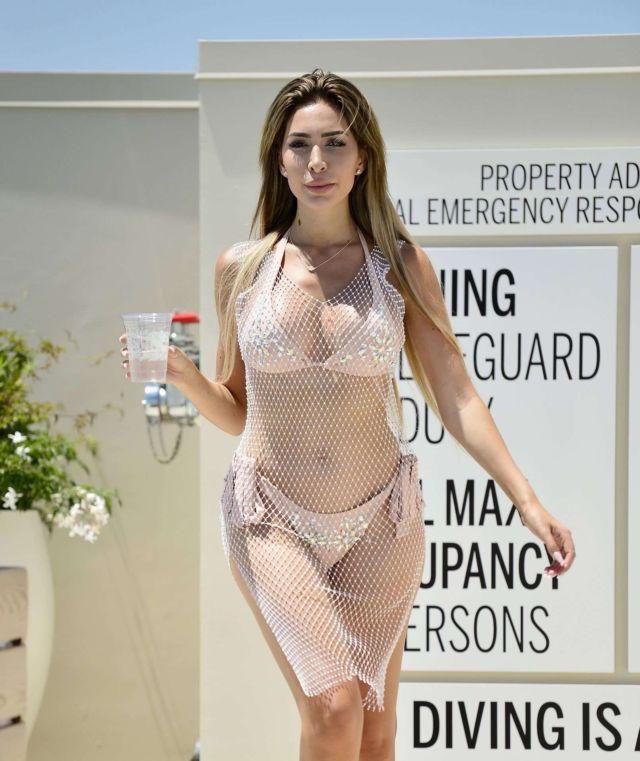 Farrah Abraham Candids In Bikini At The Waldorf Astoria Pool In LA