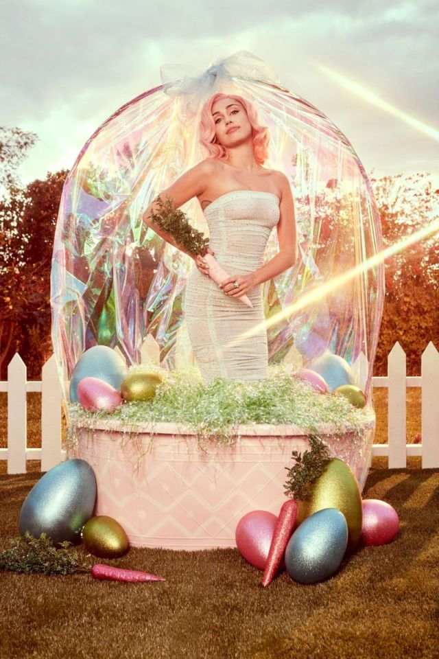 Miley Cyrus Shoots For Vogue Easter (March 2018)