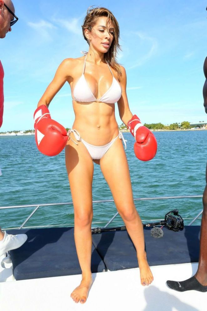 Farrah Abraham Boxing On Yacht In Miami